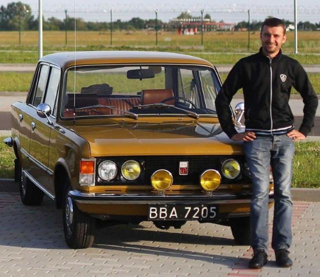 Piotr Furman, właściciel dużego Fiata celowo zachował jego stare tablice