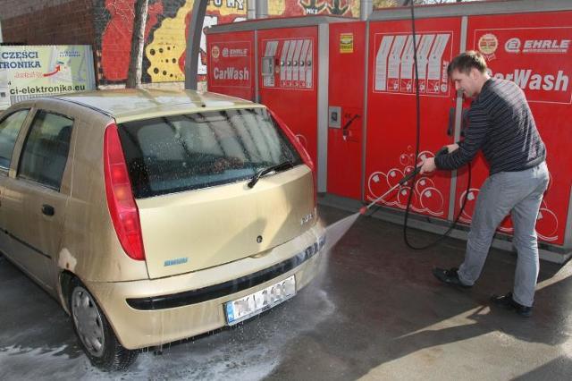 Wymiana opon nie wystarczy - sprawdź, jak przygotować auto na nadejście wiosny