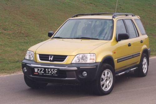Fot. Z. Podbielski: Hondę CR-V wprowadzono na europejskie rynki w 1997 r. Następcę zaprezentowano w 2002 r.
