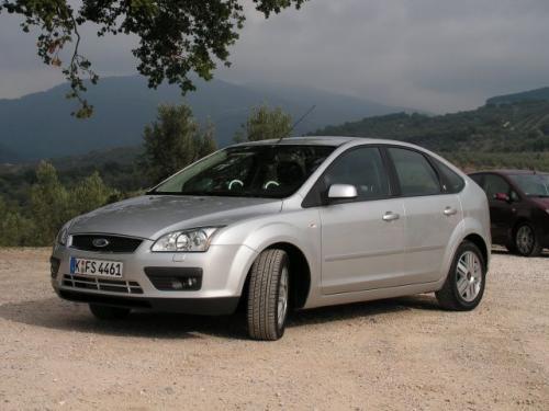 Fot. Ryszard Polit: Nowy Ford Focus jest nieco większy od poprzednika i ma unowocześnione podzespoły, jednak koncepcja auta pozostała bez zmian.