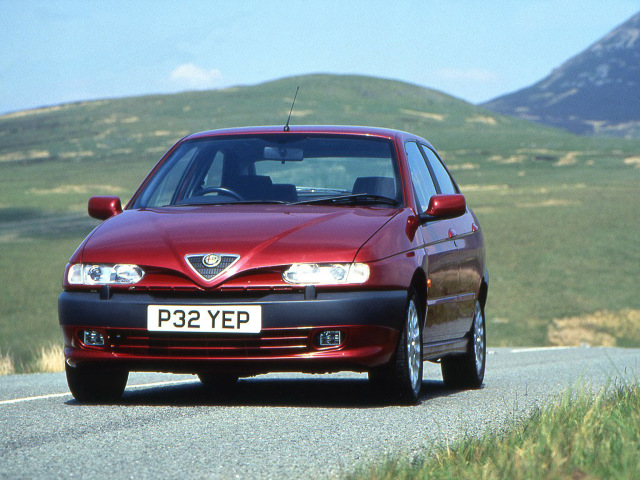 zdjęcie Alfa Romeo 146