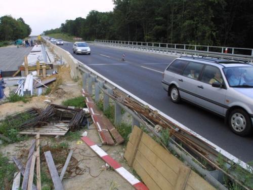 Fot. Tomasz Hołod: Ministerstwo Infrastruktury chce wprowadzenia systemu opłat za poruszanie się po drogach publicznych. Pieniądze w ten sposób uzyskane mają służyć pokryciu kosztów remontów i budowy nowych dróg.