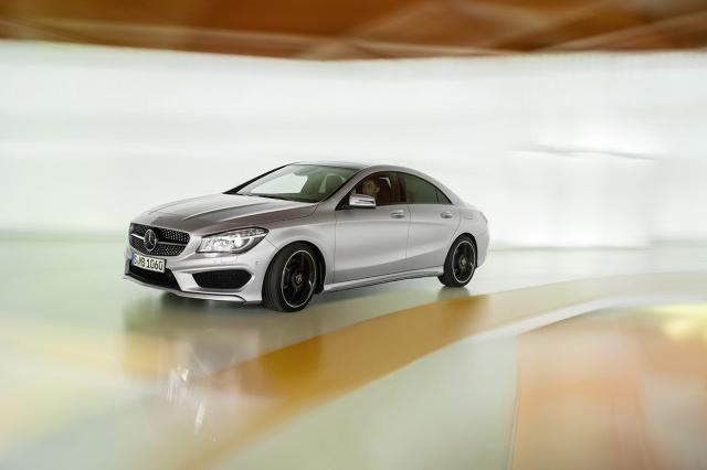 zdjęcie Mercedes-Benz CLA