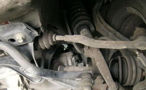 Fot. AME: Najszybciej zużywającym się elementem układu kierowniczego są końcówki drążków.