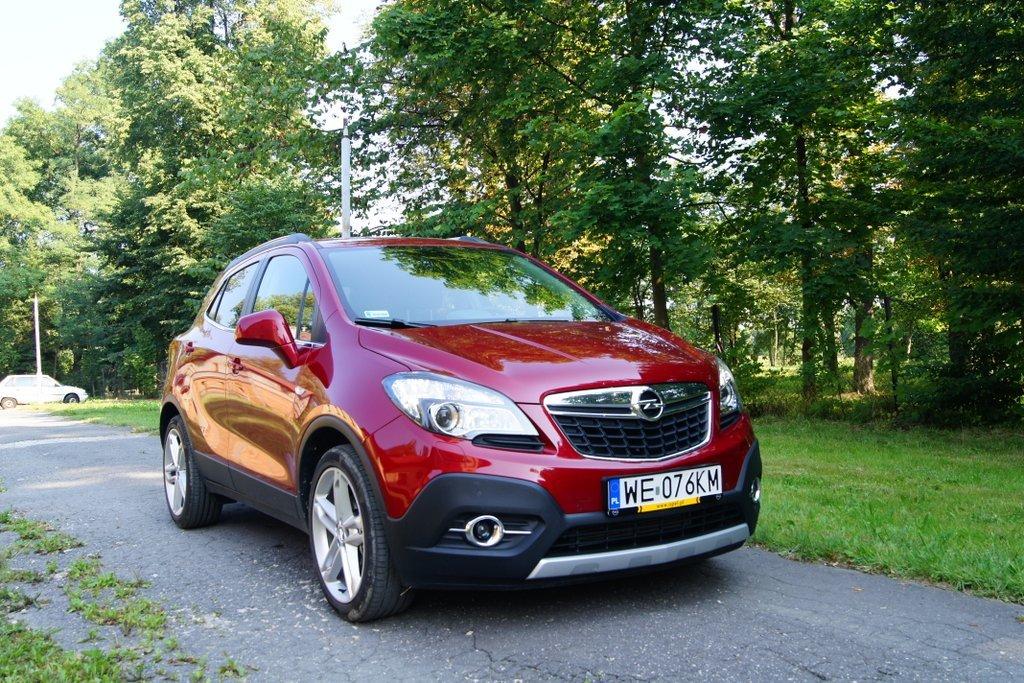 Opel Mokka to ciekawy, mały SUV, który z powodzeniem powinien spełnić nasze oczekiwania względem tego samochodu.  Fot. Bogusław Korzeniowski