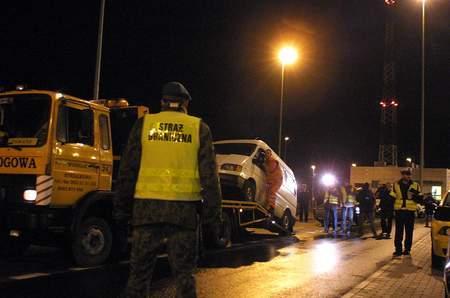 Fot. P. Jasiczek: Jeden z zatrzymanych przez policjantów samochodów.