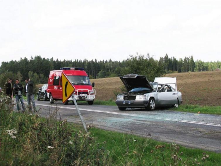 Wypadek policjantów - jeden ranny, drugi uciekł