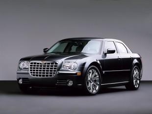 Chrysler 300C (2005 - teraz) Sedan