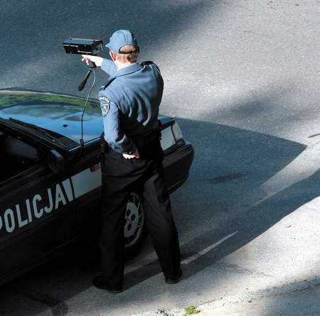 Policjanci dobrze wykonali swoją pracę. Pijany kierowca został zatrzymany, ale sąd uznał, że nie należy odbierać mu prawa jazdy.