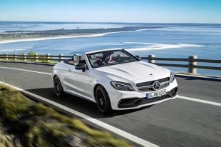Mercedes-AMG C 63 Cabrio  Pod maską auta znalazła się 4-litrowa jednostka V8, która dostarcza 476 KM mocy. W wersji S generowana moc wzrasta do 510 KM.  Fot. Mercedes-Benz