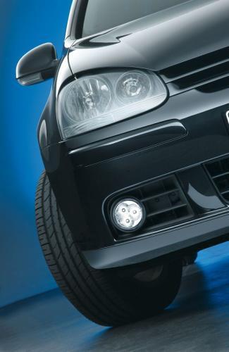 Fot. Hella: Nie wszystkie światła dzienne szpecą samochód. Odpowiednio dobrane mogą nawet poprawić jego wygląd