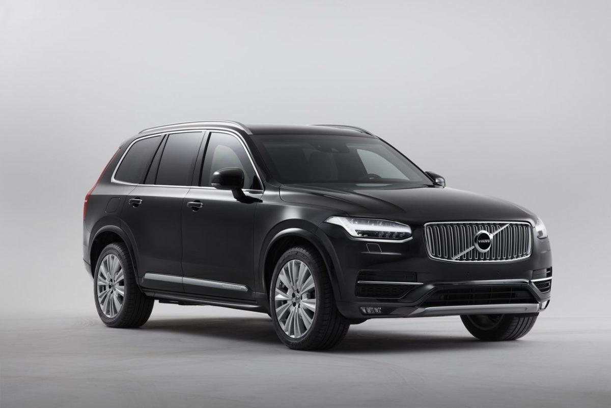 Volvo po latach przerwy przywraca do swojej oferty samochody opancerzone. Volvo XC90 Armored będzie budowany przez dział samochodów specjalnych Volvo Cars. Wszystkie jego elementy zostały opracowane tak, by zapewnić komfort i bezpieczeństwo osobom wymagającym szczególnej ochrony.   Fot. Volvo