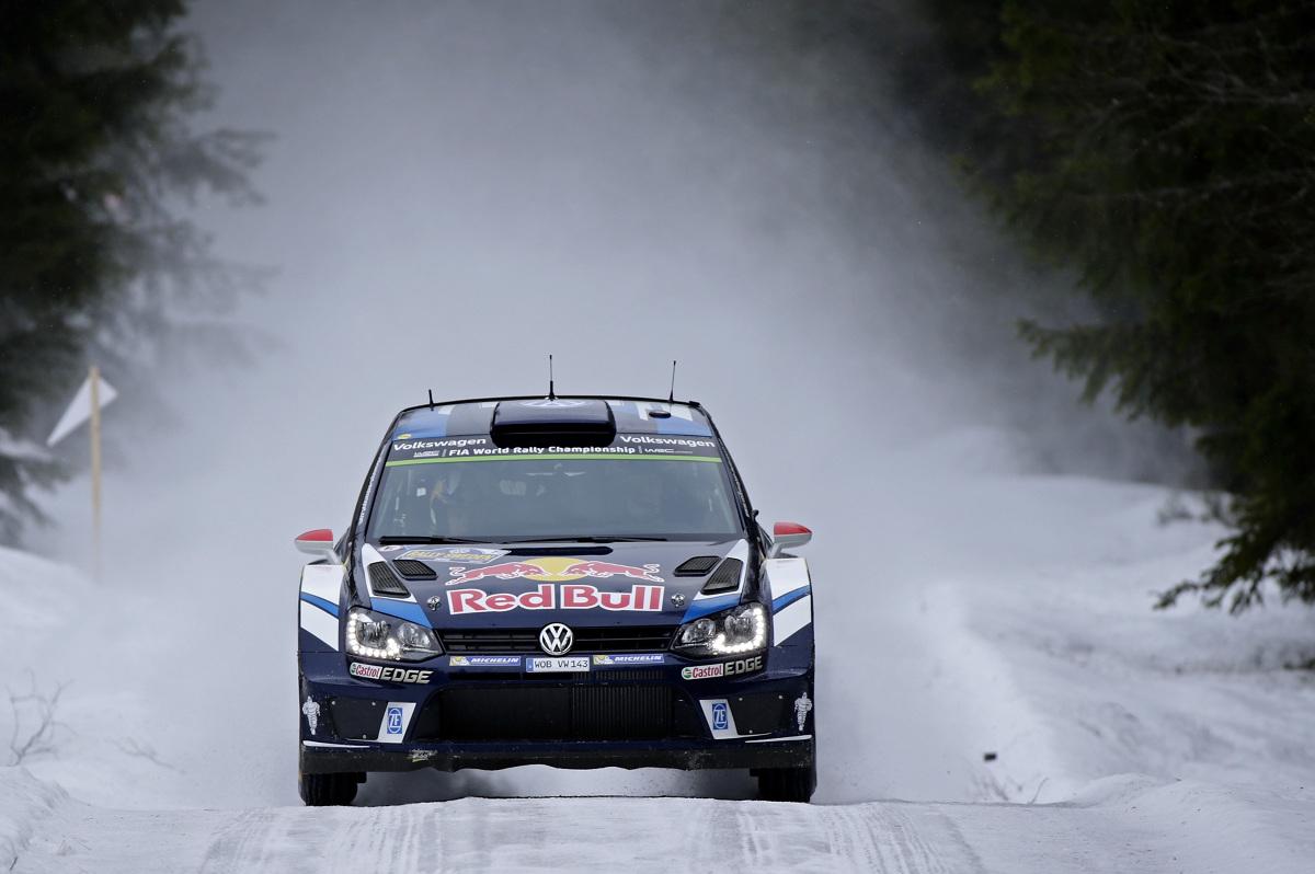 Cztery z rzędu zwycięstwa w jedynym zimowym rajdzie w kalendarzu Mistrzostw Świata FIA (WRC):  Sebastien Ogier/Julien Ingrassia (F/F) wygrali dla Volkswagena Rajd Szwecji. Tym samym Polo R WRC jest na lodzie i śniegu nie do pokonania. Dla Ogiera i Ingrassi była to trzecia wygrana w Szwecji w ciągu czterech lat i 34. zwycięstwo w ogóle / Fot. Volkswagen