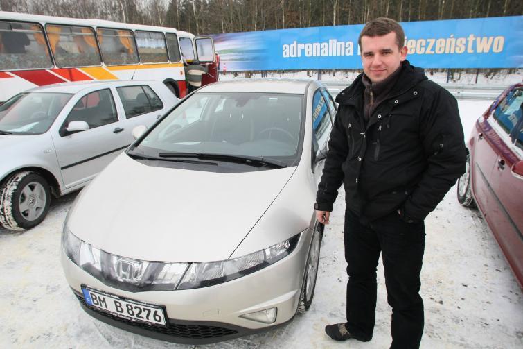 Giełdy samochodowe w Kielcach i Sandomierzu - sprawdź ceny