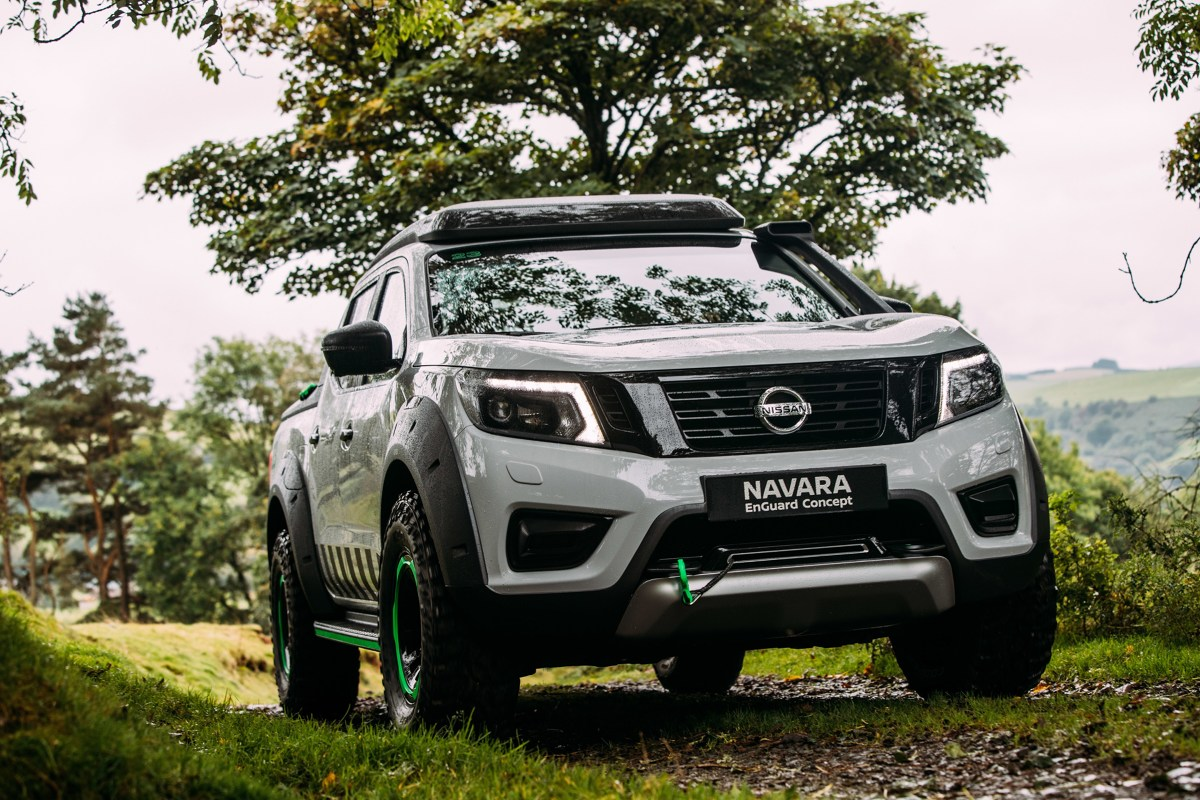nissan navara enguard concept ratowniczy pick up. Black Bedroom Furniture Sets. Home Design Ideas