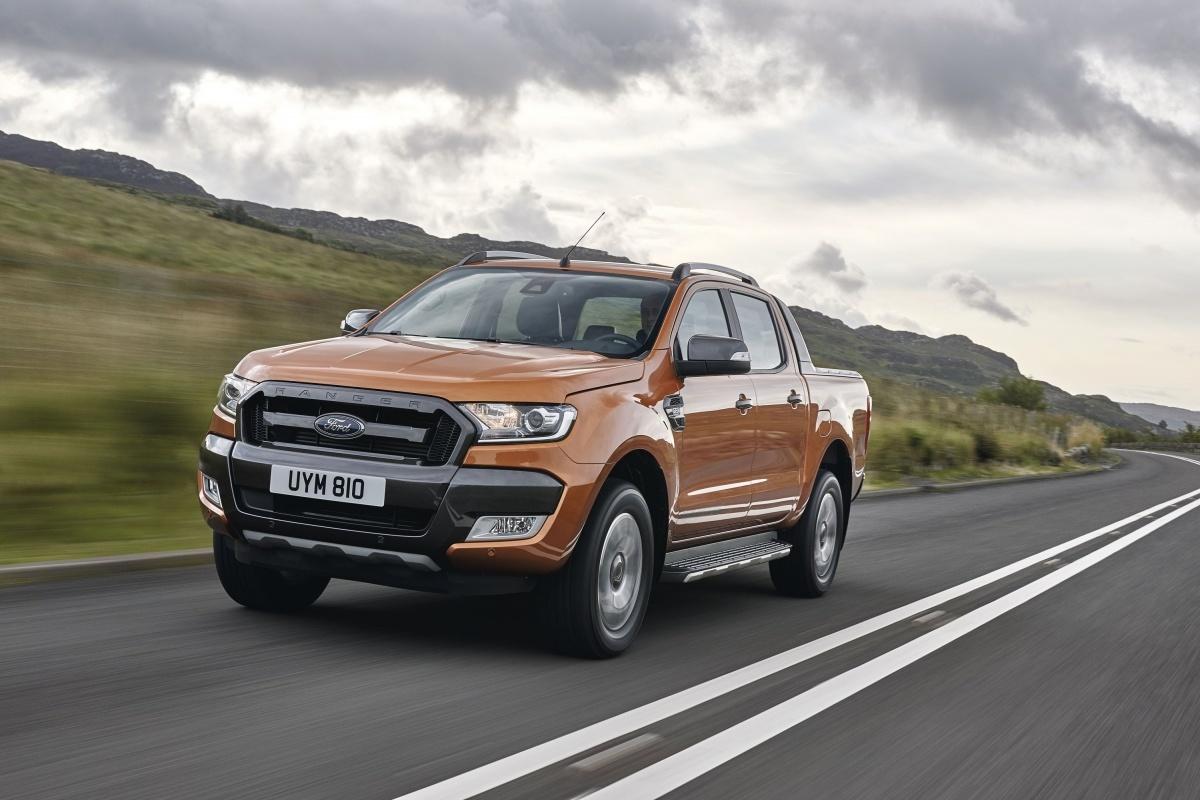 Ford Ranger utrzymuje pozycję lidera sprzedaży w Europie, między innymi dzięki wysokiej, 32-procentowej zwyżce sprzedaży w pierwszych jedenastu miesiącach 2015 roku. W omawianym okresie nabywców znalazło 25500 egzemplarzy tego modelu / Fot. Ford