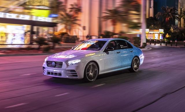 Odnowiony Mercedes Klasy E pojawi się na rynku latem tego roku. Fot. Daimler