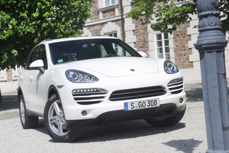 Nawet Porsche może mieć wady fabryczne: pięćset Cayenne do serwisu
