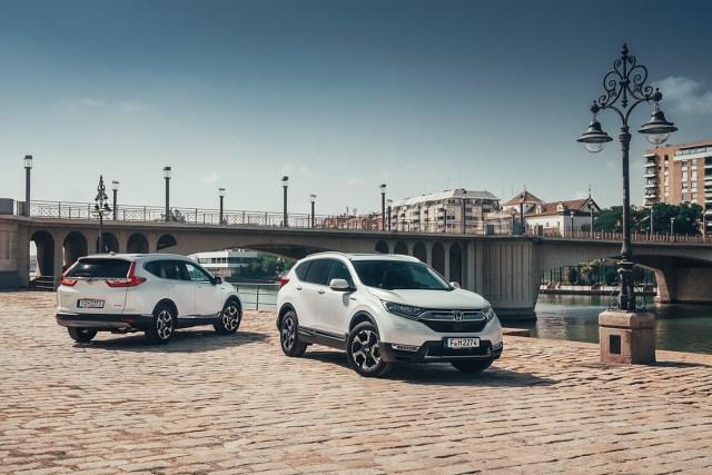 Honda CR-V Hybrid   Po raz pierwszy SUV CR-V Hondy będzie oferowany w Europie z napędem hybrydowym. Ceny zaczynają się od 132 400 zł.   Fot. Honda