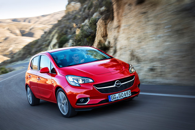 Lada moment do salonów sprzedaży wjedzie nowy Opel Corsa. Tymczasem szukający młodego, używanego auta segmentu B, mogą rozejrzeć się za generacją schodzącą właśnie z rynku. W Motofaktach przyglądamy jej się bliżej.  Fot. materiały producenta