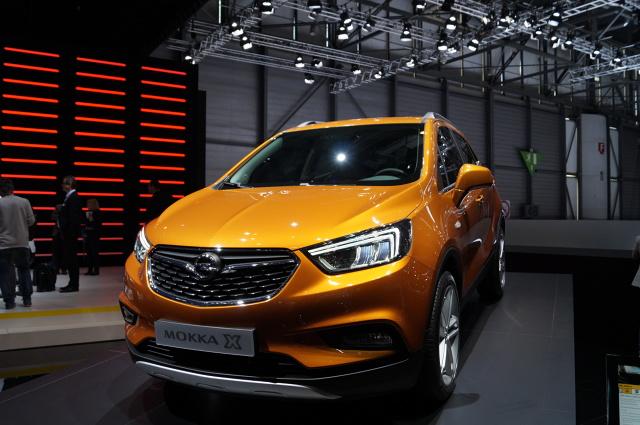 Opel Mokka X   Ofertę silników przeznaczonych do sportowo-użytkowego Opla rozszerzono teraz o nową jednostkę benzynową. Silnik 1.4 Direct Injection Turbo nowej generacji, o mocy 112 kW/152 KM, zadebiutował niedawno w nowej Astrze.   Fot. Tomasz Szmandra