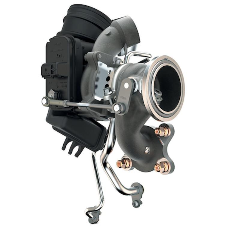 Obecnie to już niemal standard, że producenci montują jednostki napędowe o małej pojemności do samochodów nawet takich jak Volkswagen Passat lub Skoda Superb. Idea downsizingu rozwinęła się w najlepsze i upływ czasu pokazał, że rozwiązanie to sprawdza się na co dzień. Istotnym elementem w tego typu silnikach jest oczywiście turbosprężarka, to ona pozwala osiągać stosunkowo wysoką moc przy jednocześnie małej pojemności.  Fot. Skoda