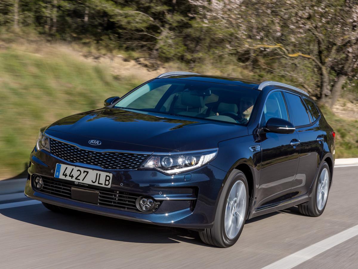 Kia Optima Sportswagon   Ceny auta rozpoczynają się od 93 900 zł. Na tyle wyceniono samochód z 2-litrowym silnikiem benzynowym o mocy 163 KM, który współpracuje z manualną, 6-biegową skrzynią biegów.  Fot. Kia