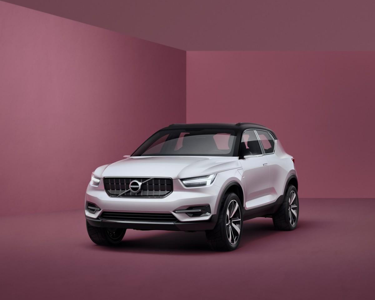 Firma Volvo pokazała w Goeteborgu dwa samochody koncepcyjne, które pokazują jak będą wyglądały jej najmniejsze modele. Te auta doskonale wpisują się w nową strategię marki i pokazują jej kierunek rozwoju. W globalnej ekspansji Volvo najmniejsze auta będą odgrywały bardzo istotną rolę.  Fot. Volvo