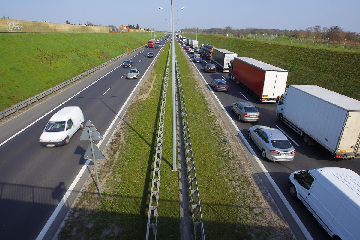 Dzisiaj rozpoczną się prace związane z dobudową trzeciego pasa na 16 kilometrowym odcinku autostrady A2  w Poznaniu.  Fot. Wojciech Barczyński