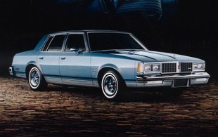 Oldsmobile Cutlass V (1978 - 1988) Sedan