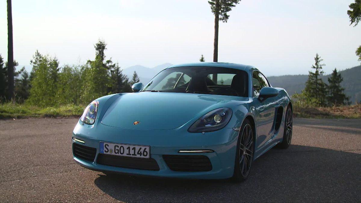 """Porsche 718 Cayman S  718 Cayman S na sprint od zera do """"setki"""" potrzebuje 4,2 s i osiąga prędkość maksymalną 285 km/h.  Fot. TVN Turbo/x-news"""