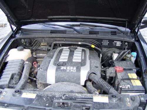Fot. R. Polit: Mycie silnika należy powierzyć wyspecjalizowanym myjniom, co zapobiegnie zamoczeniu styków elektrycznych i układów elektronicznych.