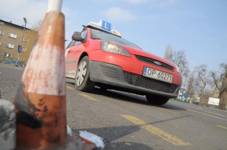 Nowe egzaminy na prawo jazdy od 2013 r.: Sejm zmienił ustawy