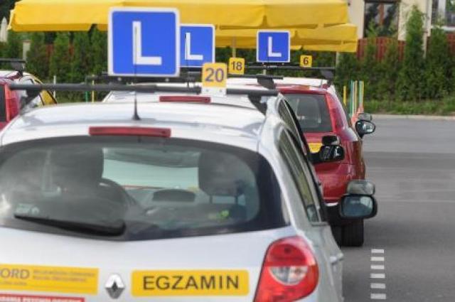 Nowe egzaminy na prawo jazdy dopiero od czerwca? Decyzja wkrótce
