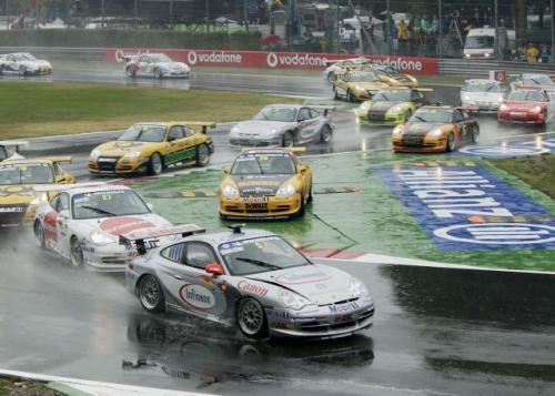 Fot. Porsche: Start do 12 biegu Porsche Michelin Supercup w Mozna