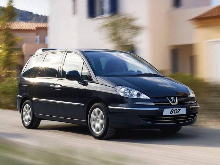 Peugeot 807, Boxer, Expert - tysiąc samochodów do serwisu