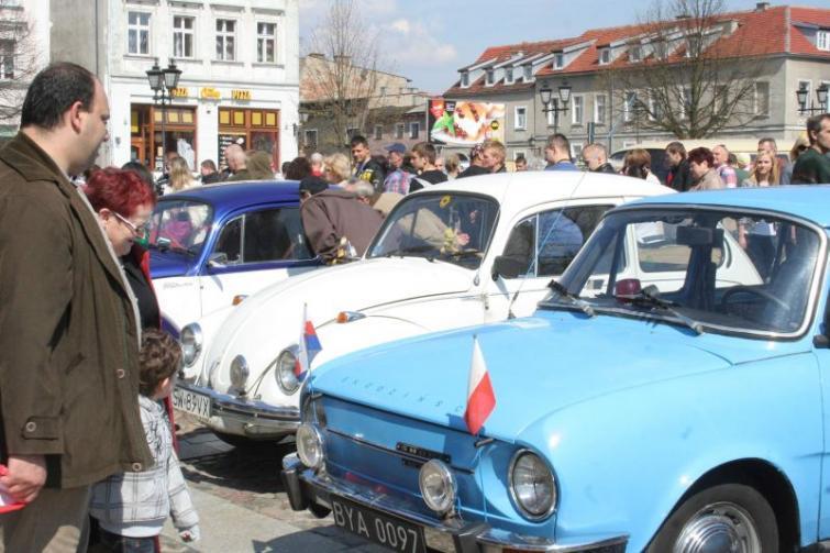 Zlot starych samochodów - zobacz zdjęcia