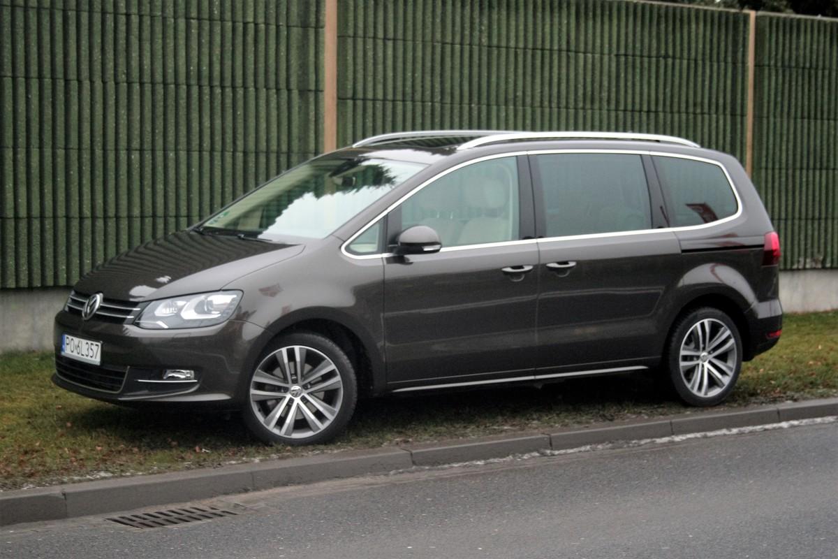 Volkswagen sharan najta szy galaxy z benzynowym silnikiem 1 5 ecoboost o mocy 160 km kosztuje 119 000