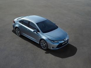 Toyota Corolla. Premiera hybrydowego sedana