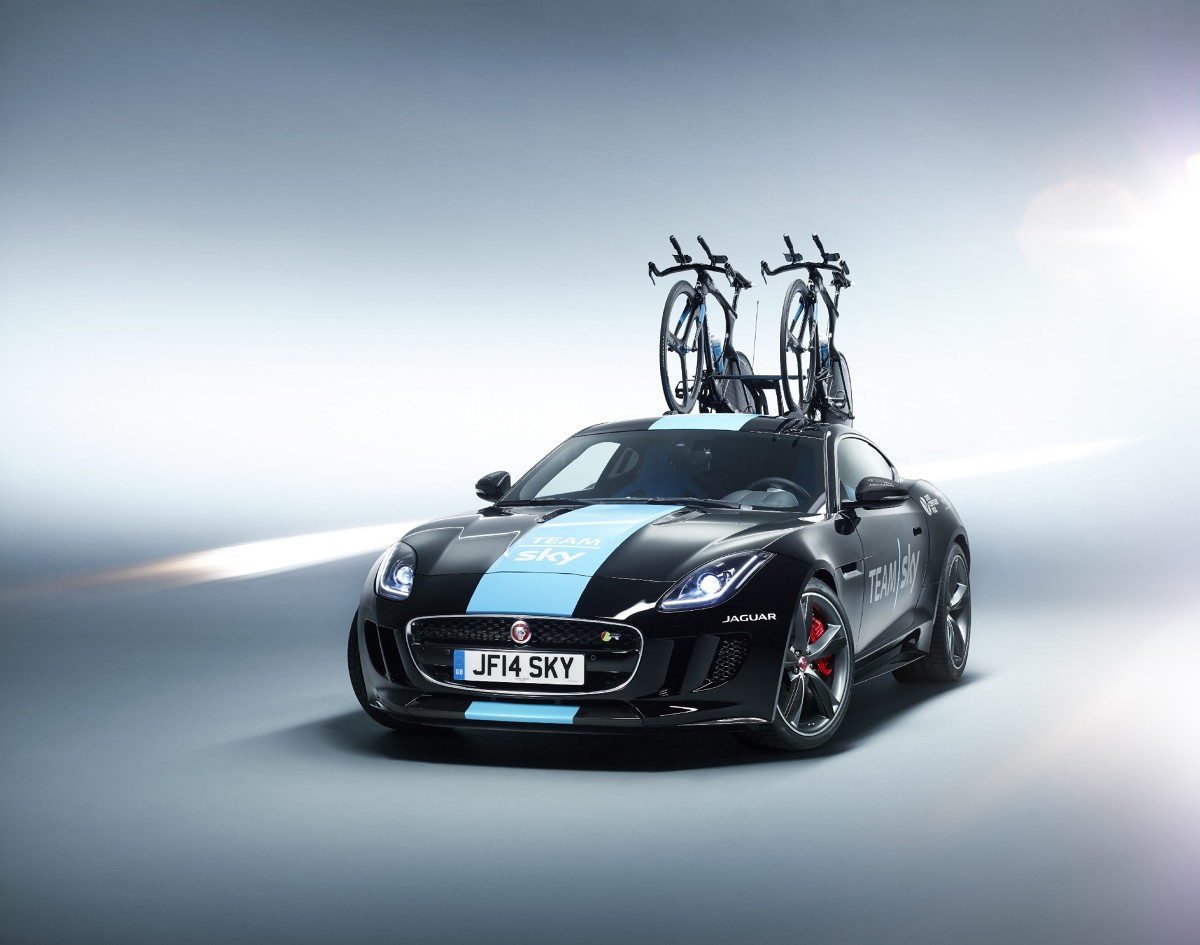 Jaguar F-Type R Coupe Team Sky