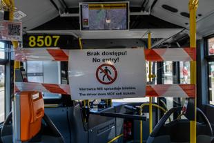 Koronawirus a komunikacja miejska. Co jeśli pasażerów jest za dużo?