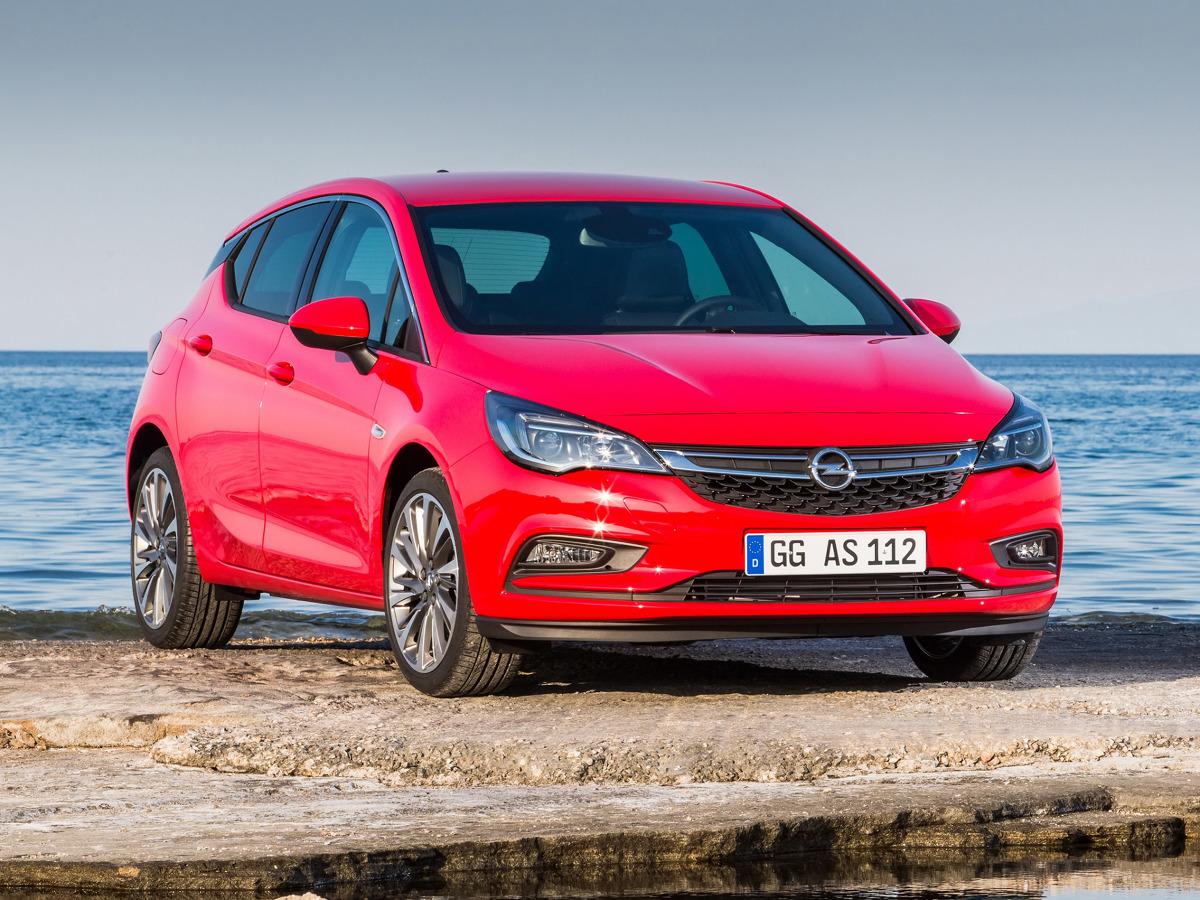 Opel Astra V   Liderem sprzedaży marki w okresie od stycznia do sierpnia jest model Astra – 9 501 sztuk i 38% wzrost sprzedaży w porównaniu do tego samego okresu zeszłego roku.  Fot. Opel