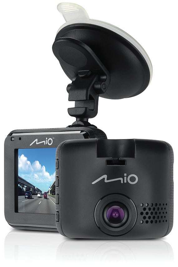 Zainteresowanie wideorejestratorami wzrasta a na rynku co chwilę pojawiają się nowe urządzenia. W gąszczu ofert można się jednak pogubić. Czy jedna z tańszych propozycji Mio Mivue C320 warta jest naszego zainteresowania? Postanowiliśmy to sprawdzić.  Fot. Mio