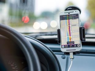 Nawigacja samochodowa. Korzystanie za granicą może słono kosztować (video)