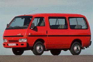 Isuzu Midi II (1995 - 2001) Furgon