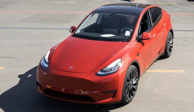 Tesla. Amerykańska firma wyprodukowała milionowy samochód