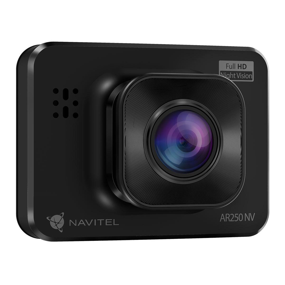 Navitel zaprezentował nowe urządzenie – wideorejestrator AR250 NV.  To już ósmy model w regularnej ofercie, który wyposażono w zaawansowany sensor optyczny z obsługą night vision.  Fot. Navitel