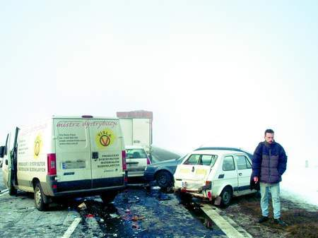 Fot. Tomasz Hołod: W karambolu pod Środą Śląską zderzyło się kilkadziesiąt samochodów