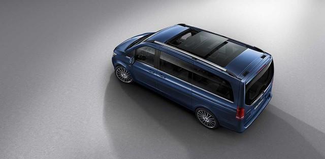 Mercedes-Benz systematycznie poszerza ofertę elementów wyposażenia dostępnych w Klasie V. Do dealerów trafi najbardziej luksusowy wariant modelu - Klasa V Exclusive / Fot. Mercedes-Benz