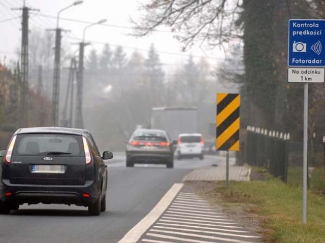 """Fotoradary: Uwaga kierowcy! Kontrole na """"szóstce"""""""